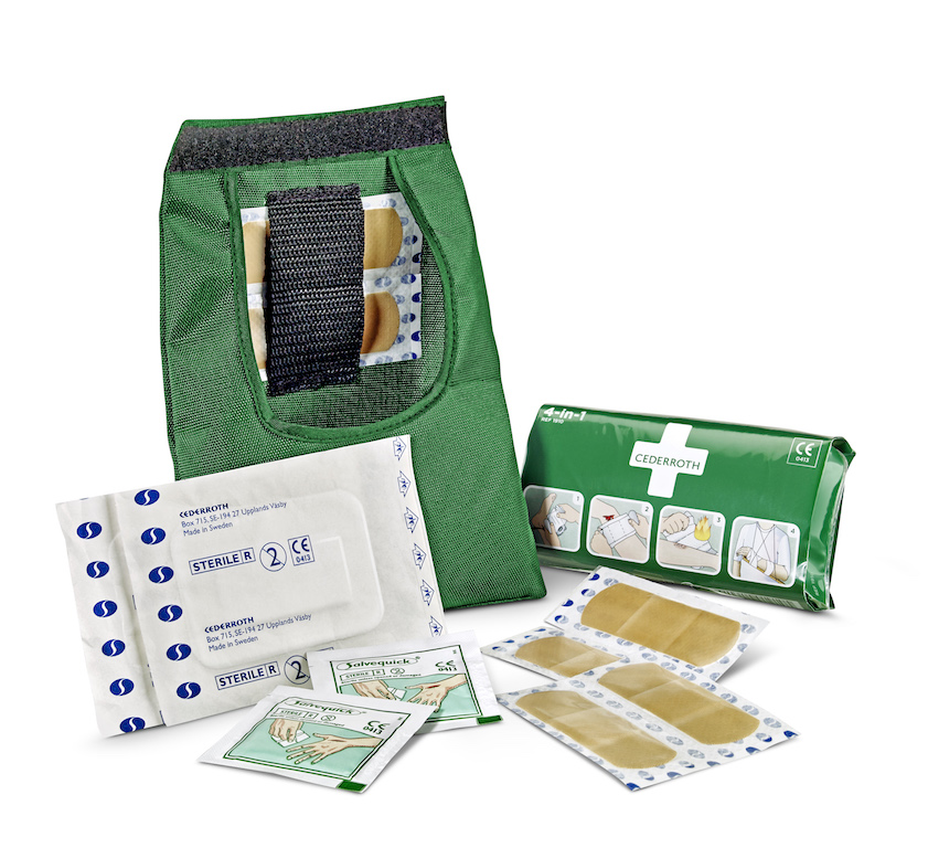 First Aid Kit SMALL open_390100_300dpi
